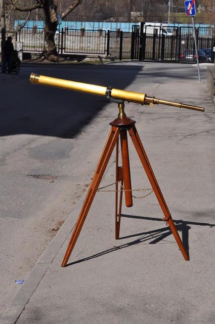 18 sajandi lõpu teleskoop statiiviga BRONEERITUD