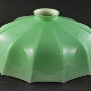 Antiikne 12-nurkne lambikuppel rohelisest klaasist