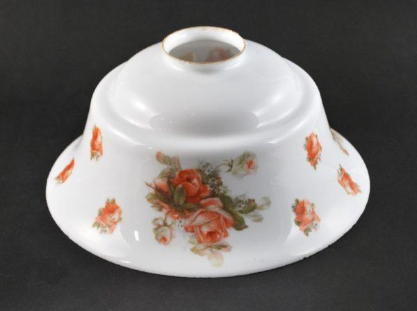 Antiikne valgest klaasist kuppel roosi motiiviga