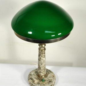 Rohelise kupliga laualamp MÜÜDUD