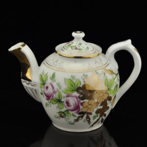 An antique Kuznetsov teapot