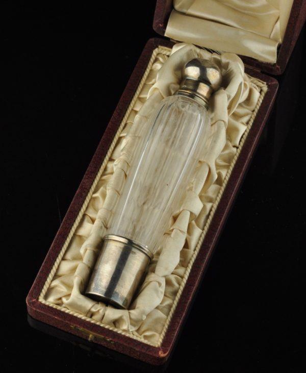 Antiikne Prantsuse kölnivee pudel originaal karbis, hõbe kork ja topka