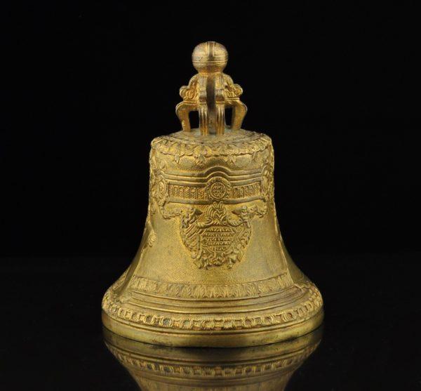 Antiikne Tsaari-Vene pronksist kelluke, signeeritud