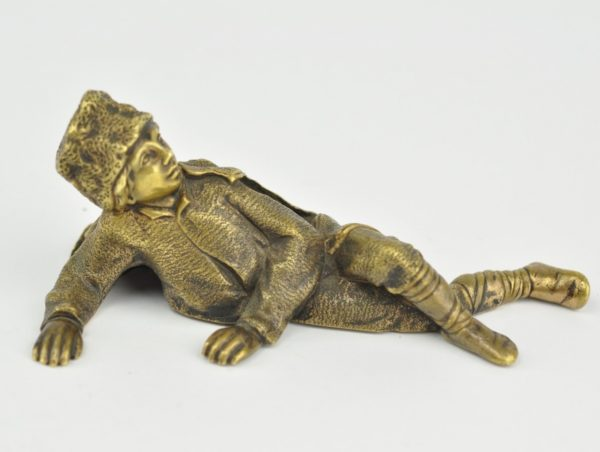 Antiikne figuur - pronks