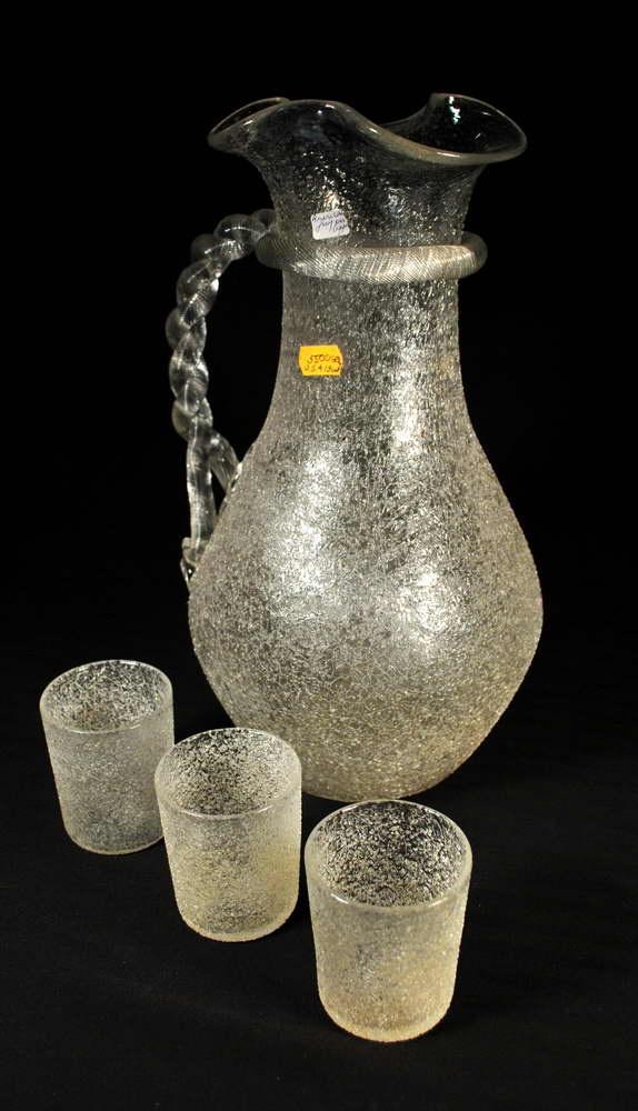 Antiikne jääauguga kann ja 3 klaasi