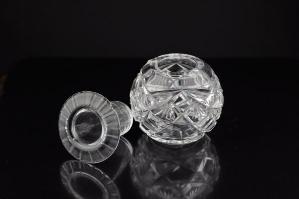 Antiikne kristall tindipott