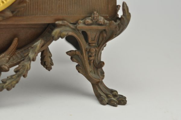 Antiikne lauakell