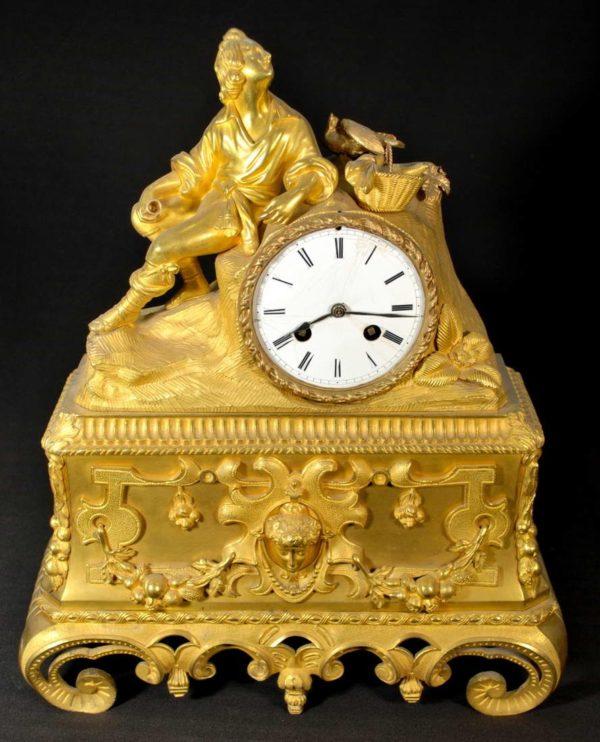 Clock 750.-