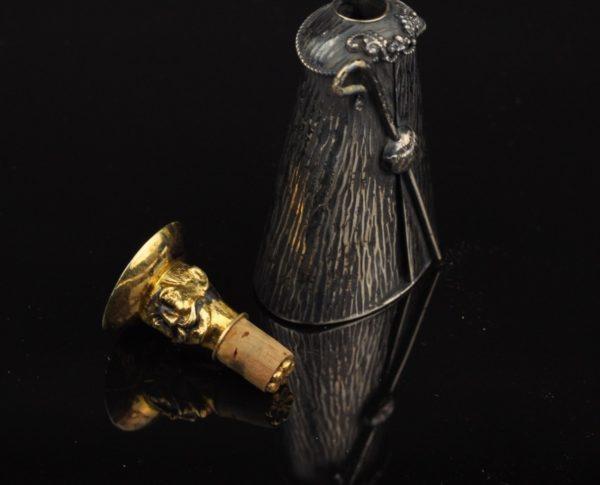 Antiikne parfüümi pudel, hõbe