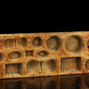 Antiikne puidust maiustuste vorm BRONEERITUD