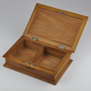 Antiikne sigareti karp - puit, hõbe