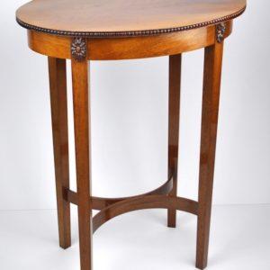 Antiikne väike ovaalne lauake MÜÜDUD