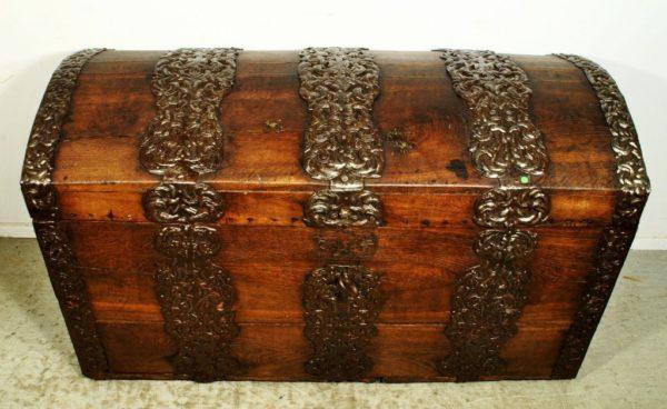 Baroque chest, 18 century NEW PRICE 1850.- !!!