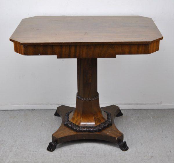 Biidermeier väike laud