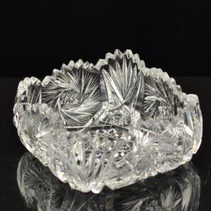 EW aegne kristall kauss, väikesed defektid