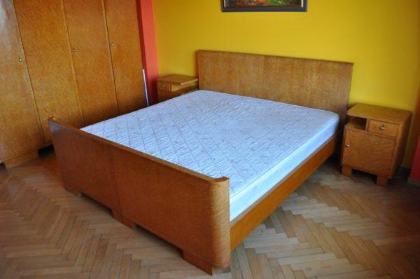 Funkstiilis karjalakasest magamistoa komplekt 1930a BRONEERITUD