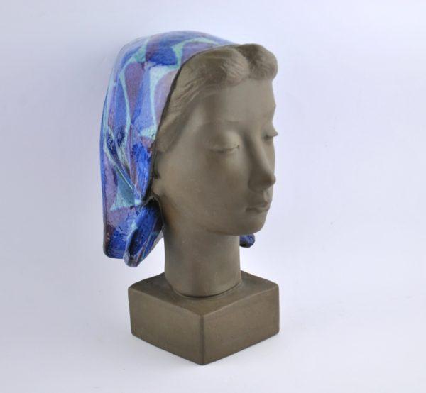 "Johannes Hedegaard kuju Naine rätikuga"" 1960a, Royal Copenhagen"""