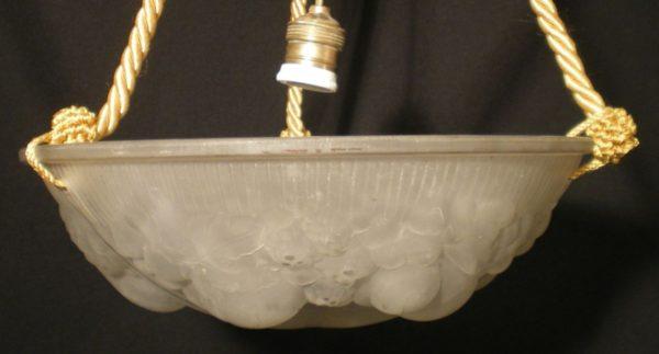 Juugendstiilis laelamp klaaskupliga