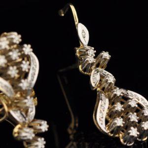 Kõrvarõngad ja sõrmus 585 kuld, briljandid kokku 1 ct id