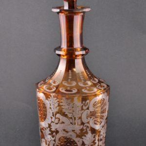 Karahvin, pruunikas klaas, jahiteemaline, 1900a
