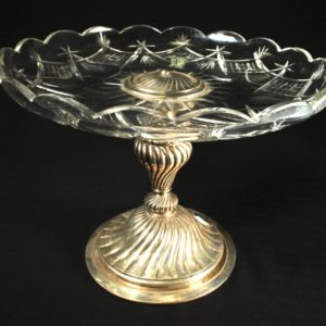 Crystal platter with a silver leg