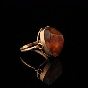 Gold ring 583, amber
