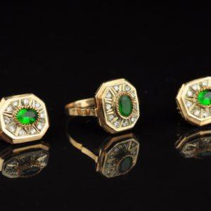 Kuldsõrmus ja kõrvarõngad 585, roheline moldaviit, tsirkoonid
