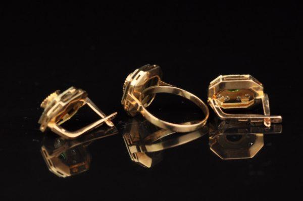 Kuldsõrmus ja kõrvarõngad 585, roheline moldaviit, tsirkoonid - UUS HIND 532