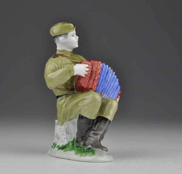 LFZ Portselan figuur, Akordionist