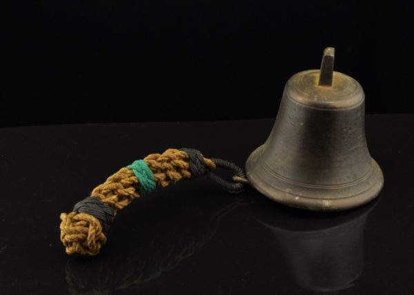 Ship bell with a twist