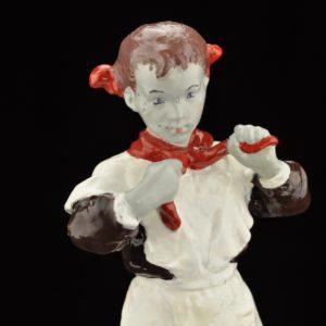 Leningradi Kunstifondi keraamiline figuur - Pioneer -