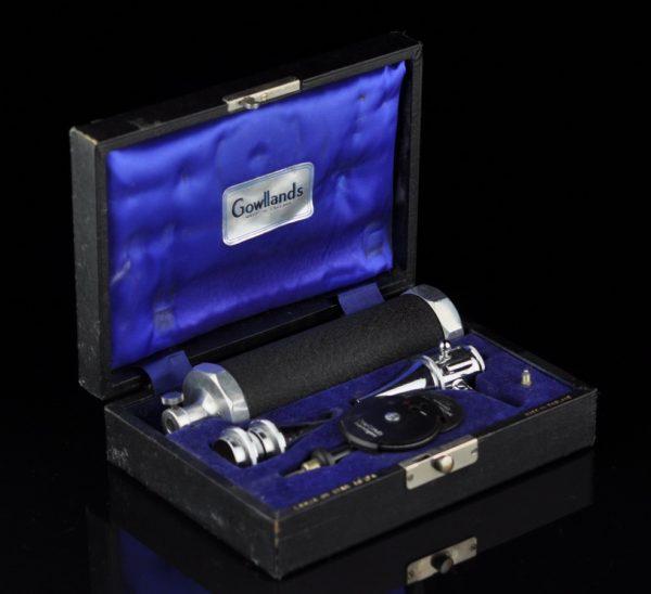 Med. instrument kõrvade kontrollimiseks, Gowllands - Inglise