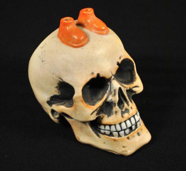 Scull-shaped ashtray