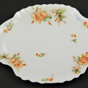 Porcelain serving dish 140.-