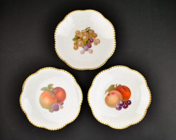 Portselanist puuviljadega taldrikud Epiag Royal Czechoslovakia 3tk