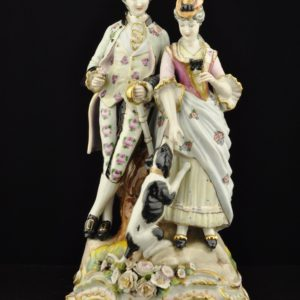 Porcelain shape Man and woman with a dog def.