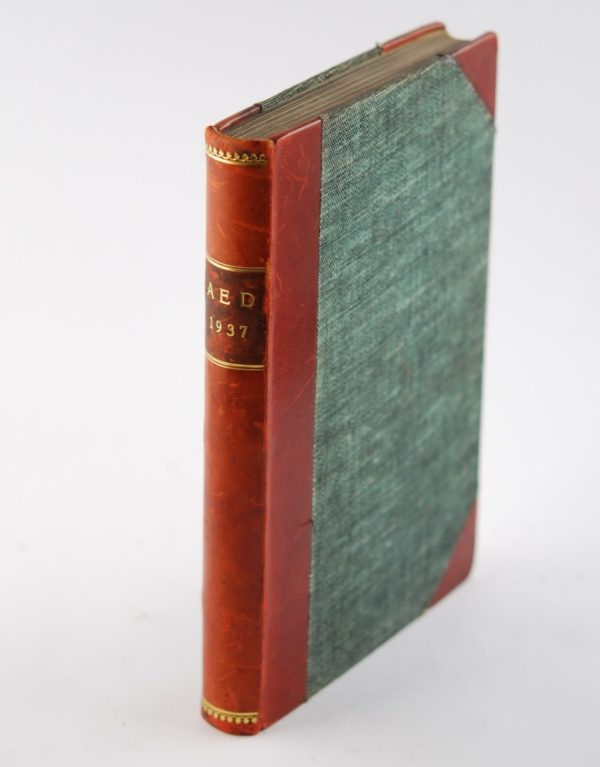 Raamat - AED - 1937, pool nahk