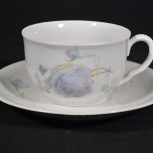 Porcelain cup with plate