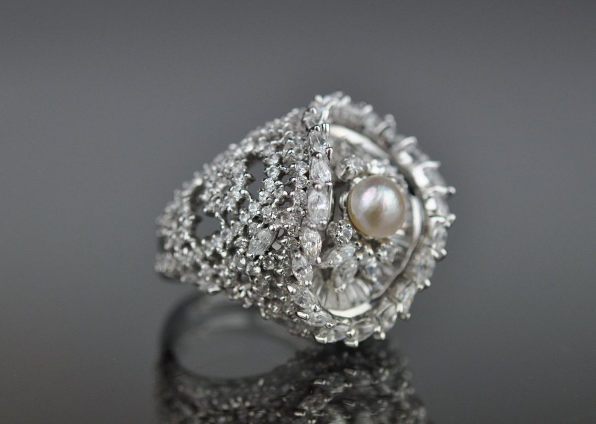 eac142d154b Sõrmus valge kuld 750 - pärl, tsirkoonid MÜÜDUD - Idla Antiik