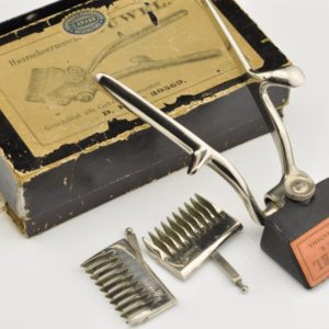 Antique hair cutter