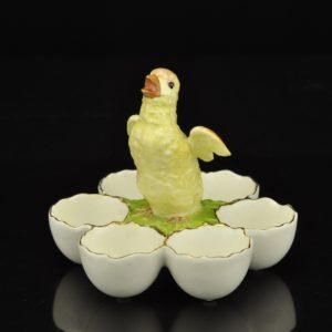 Vanaaegne portselanist muna serveerimisalus MÜÜDUD