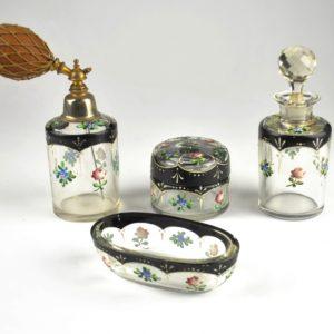 An antique dressing table set, 4 ps, 20 saj.algus