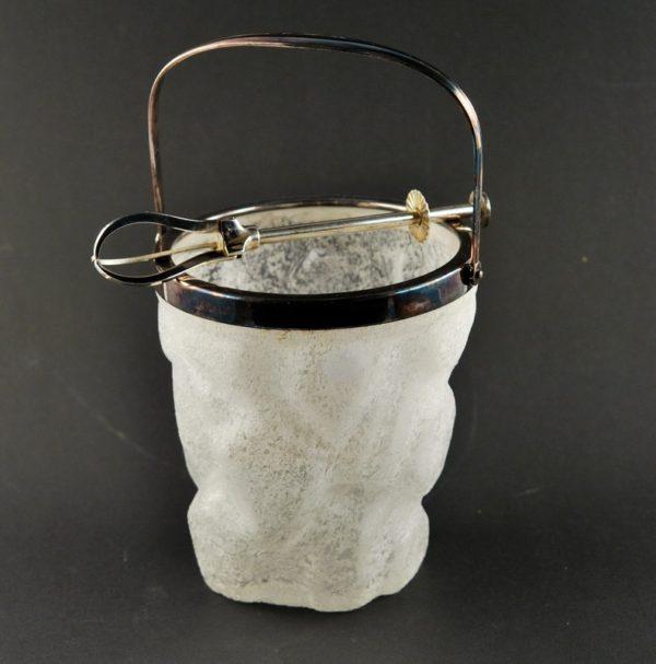 Vintage klaasist jäänõu koos tangidega