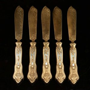 Antique set of 5 800 silver gilt knives with mother of pearl