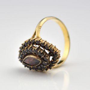 Granaatidega sõrmus
