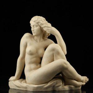 "Keraamiline kuju ""Istuv naine akt"" defekt"