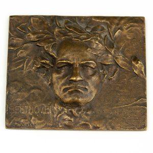 Pronksist plaat Beethoven