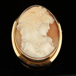 Antique cameo brooch gold pendant