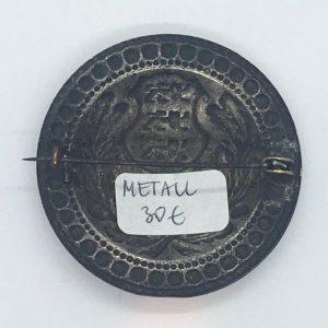 Metallist sõlg EW vapiga