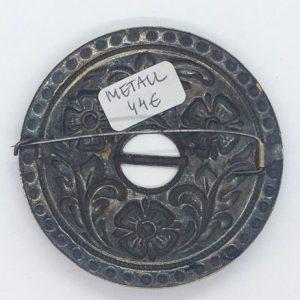 Värviline metallist sõlg